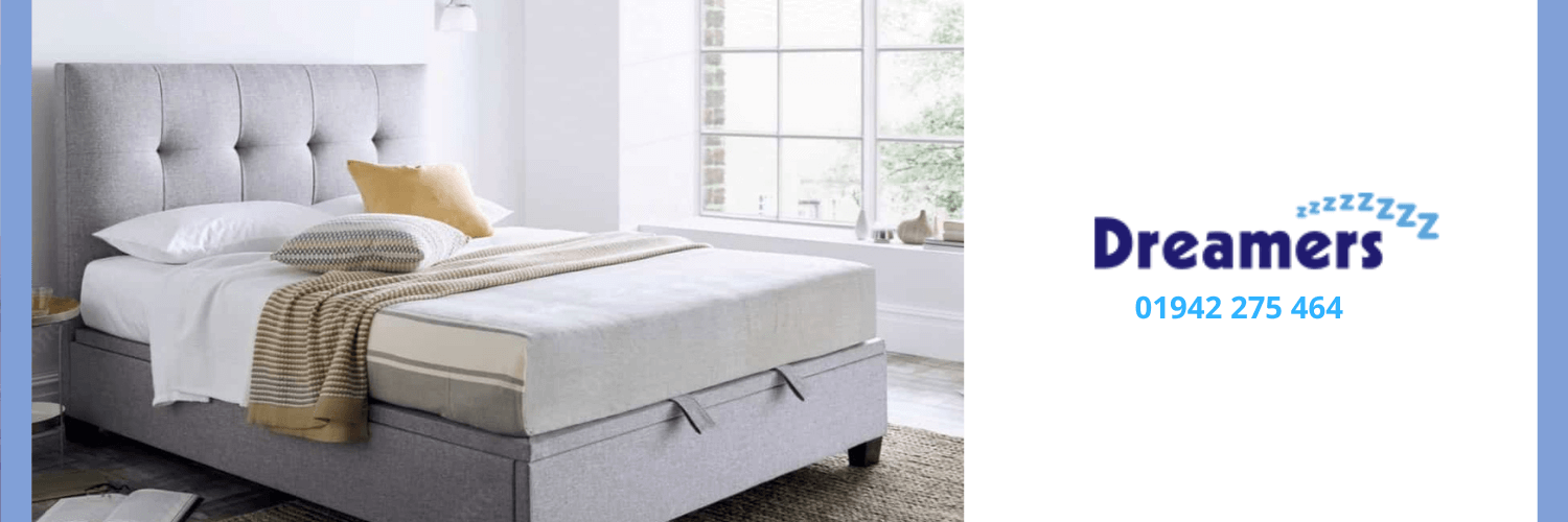 Ottoman bed perfect for a small bedroom